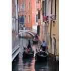 Góndola por los canales de Venecia